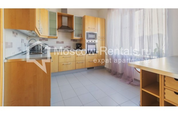 """Photo #7 3-room (2 BR) apartment for <a href=""""http://moscow-rentals.ru/en/articles/long-term-rent"""" target=""""_blank"""">a long-term</a> rent  in Russia, Moscow, Denezhnyi lane, 22"""