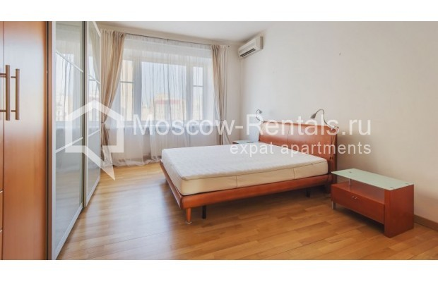 """Photo #4 3-room (2 BR) apartment for <a href=""""http://moscow-rentals.ru/en/articles/long-term-rent"""" target=""""_blank"""">a long-term</a> rent  in Russia, Moscow, Denezhnyi lane, 22"""