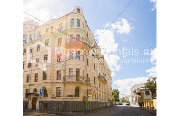"""Photo #12 3-room (2 BR) apartment for <a href=""""http://moscow-rentals.ru/en/articles/long-term-rent"""" target=""""_blank"""">a long-term</a> rent  in Russia, Moscow, Denezhnyi lane, 9/6"""
