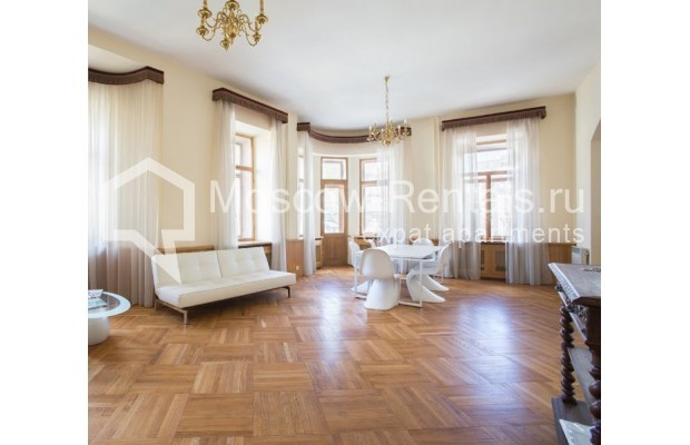 """Photo #1 3-room (2 BR) apartment for <a href=""""http://moscow-rentals.ru/en/articles/long-term-rent"""" target=""""_blank"""">a long-term</a> rent  in Russia, Moscow, Denezhnyi lane, 9/6"""