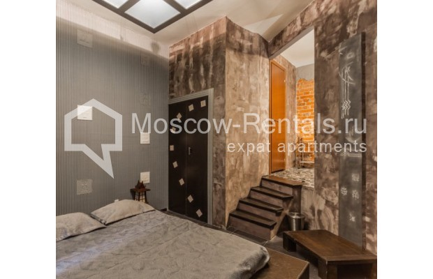 """Photo #6 3-room (2 BR) apartment for <a href=""""http://moscow-rentals.ru/en/articles/long-term-rent"""" target=""""_blank"""">a long-term</a> rent  in Russia, Moscow, Nikitskyi blv, 12"""