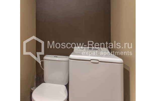 """Photo #11 3-room (2 BR) apartment for <a href=""""http://moscow-rentals.ru/en/articles/long-term-rent"""" target=""""_blank"""">a long-term</a> rent  in Russia, Moscow, Nikitskyi blv, 12"""