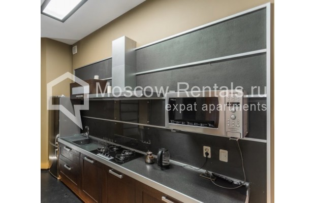 """Photo #3 3-room (2 BR) apartment for <a href=""""http://moscow-rentals.ru/en/articles/long-term-rent"""" target=""""_blank"""">a long-term</a> rent  in Russia, Moscow, Nikitskyi blv, 12"""
