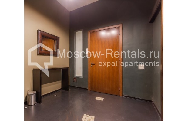 """Photo #12 3-room (2 BR) apartment for <a href=""""http://moscow-rentals.ru/en/articles/long-term-rent"""" target=""""_blank"""">a long-term</a> rent  in Russia, Moscow, Nikitskyi blv, 12"""