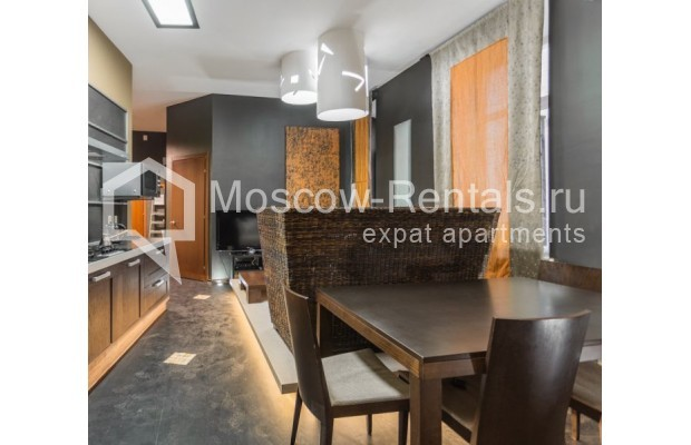 """Photo #2 3-room (2 BR) apartment for <a href=""""http://moscow-rentals.ru/en/articles/long-term-rent"""" target=""""_blank"""">a long-term</a> rent  in Russia, Moscow, Nikitskyi blv, 12"""