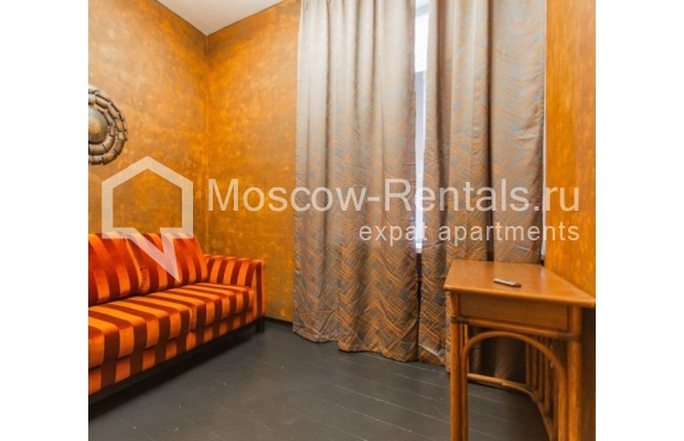 """Photo #8 3-room (2 BR) apartment for <a href=""""http://moscow-rentals.ru/en/articles/long-term-rent"""" target=""""_blank"""">a long-term</a> rent  in Russia, Moscow, Nikitskyi blv, 12"""