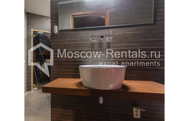 """Photo #10 3-room (2 BR) apartment for <a href=""""http://moscow-rentals.ru/en/articles/long-term-rent"""" target=""""_blank"""">a long-term</a> rent  in Russia, Moscow, Nikitskyi blv, 12"""
