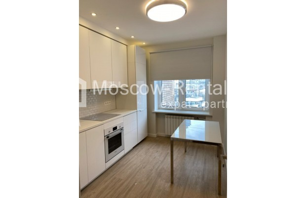 """Photo #3 3-room (2 BR) apartment for <a href=""""http://moscow-rentals.ru/en/articles/long-term-rent"""" target=""""_blank"""">a long-term</a> rent  in Russia, Moscow, 1st Smolenskyi lane"""