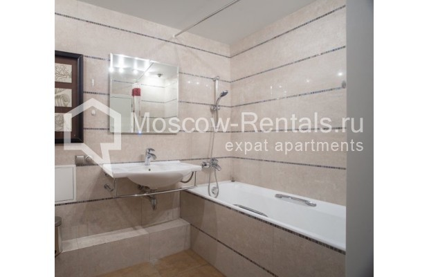 """Photo #10 3-room (2 BR) apartment for <a href=""""http://moscow-rentals.ru/en/articles/long-term-rent"""" target=""""_blank"""">a long-term</a> rent  in Russia, Moscow, B. Bronnaya str, 2/6"""