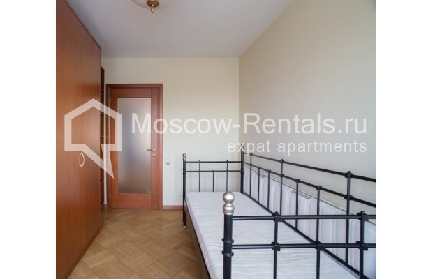 """Photo #9 3-room (2 BR) apartment for <a href=""""http://moscow-rentals.ru/en/articles/long-term-rent"""" target=""""_blank"""">a long-term</a> rent  in Russia, Moscow, B. Bronnaya str, 2/6"""