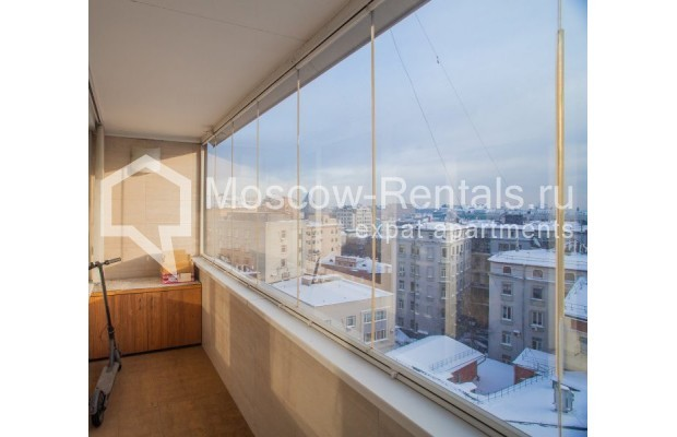 """Photo #13 3-room (2 BR) apartment for <a href=""""http://moscow-rentals.ru/en/articles/long-term-rent"""" target=""""_blank"""">a long-term</a> rent  in Russia, Moscow, B. Bronnaya str, 2/6"""