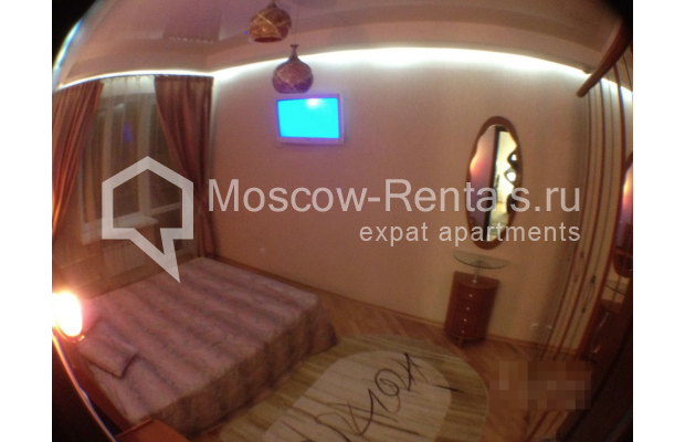 """Photo #4 3-room (2 BR) apartment for <a href=""""http://moscow-rentals.ru/en/articles/long-term-rent"""" target=""""_blank"""">a long-term</a> rent  in Russia, Moscow, Gazetnyi lane, 1/12"""