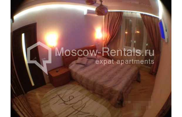 """Photo #5 3-room (2 BR) apartment for <a href=""""http://moscow-rentals.ru/en/articles/long-term-rent"""" target=""""_blank"""">a long-term</a> rent  in Russia, Moscow, Gazetnyi lane, 1/12"""