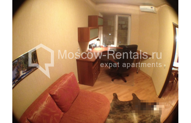 """Photo #7 3-room (2 BR) apartment for <a href=""""http://moscow-rentals.ru/en/articles/long-term-rent"""" target=""""_blank"""">a long-term</a> rent  in Russia, Moscow, Gazetnyi lane, 1/12"""
