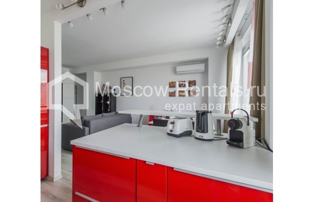 """Photo #6 3-room (2 BR) apartment for <a href=""""http://moscow-rentals.ru/en/articles/long-term-rent"""" target=""""_blank"""">a long-term</a> rent  in Russia, Moscow, New Arbat, 16"""
