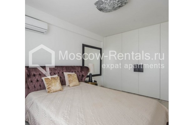 """Photo #13 3-room (2 BR) apartment for <a href=""""http://moscow-rentals.ru/en/articles/long-term-rent"""" target=""""_blank"""">a long-term</a> rent  in Russia, Moscow, New Arbat, 16"""