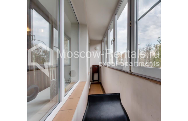 """Photo #14 3-room (2 BR) apartment for <a href=""""http://moscow-rentals.ru/en/articles/long-term-rent"""" target=""""_blank"""">a long-term</a> rent  in Russia, Moscow, Nikitskyi blv, 17"""