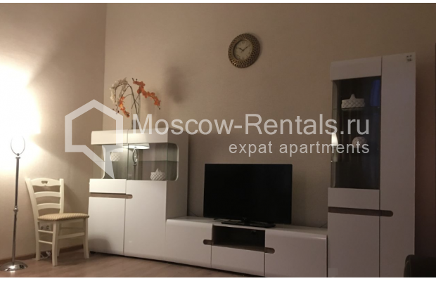 """Photo #3 3-room (2 BR) apartment for <a href=""""http://moscow-rentals.ru/en/articles/long-term-rent"""" target=""""_blank"""">a long-term</a> rent  in Russia, Moscow, Chistyi lane, 5А"""