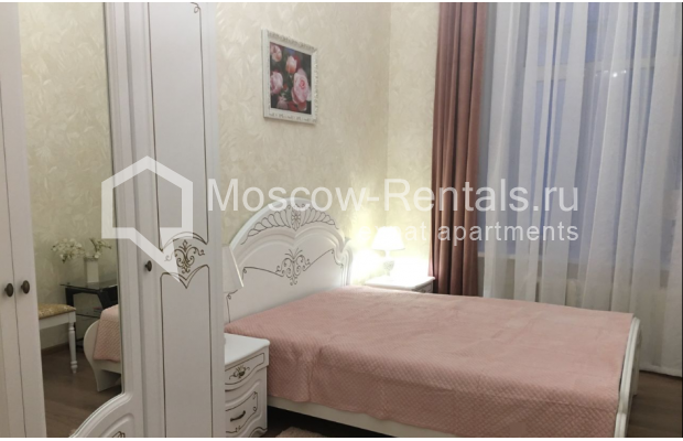 """Photo #6 3-room (2 BR) apartment for <a href=""""http://moscow-rentals.ru/en/articles/long-term-rent"""" target=""""_blank"""">a long-term</a> rent  in Russia, Moscow, Chistyi lane, 5А"""