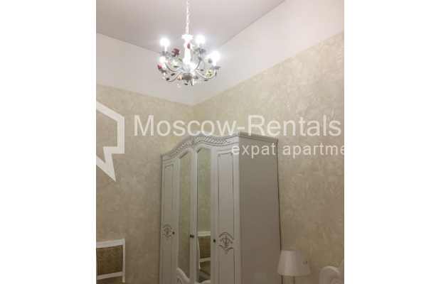 """Photo #8 3-room (2 BR) apartment for <a href=""""http://moscow-rentals.ru/en/articles/long-term-rent"""" target=""""_blank"""">a long-term</a> rent  in Russia, Moscow, Chistyi lane, 5А"""