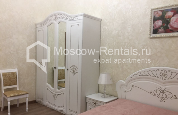 """Photo #7 3-room (2 BR) apartment for <a href=""""http://moscow-rentals.ru/en/articles/long-term-rent"""" target=""""_blank"""">a long-term</a> rent  in Russia, Moscow, Chistyi lane, 5А"""