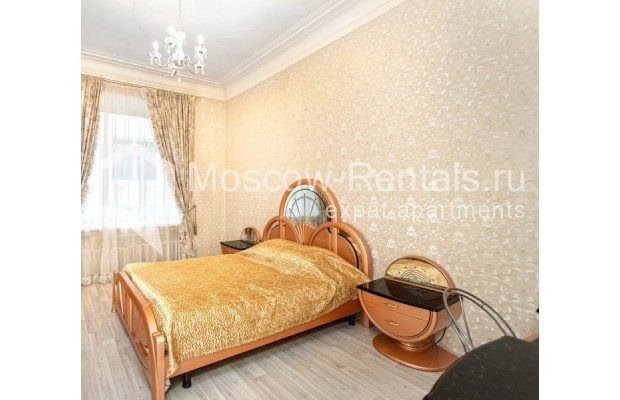 """Photo #3 4-room (3 BR) apartment for <a href=""""http://moscow-rentals.ru/en/articles/long-term-rent"""" target=""""_blank"""">a long-term</a> rent  in Russia, Moscow, M. Kakovinskyi lane, 3"""