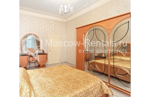 """Photo #4 4-room (3 BR) apartment for <a href=""""http://moscow-rentals.ru/en/articles/long-term-rent"""" target=""""_blank"""">a long-term</a> rent  in Russia, Moscow, M. Kakovinskyi lane, 3"""