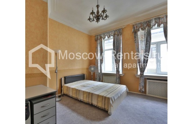 """Photo #7 4-room (3 BR) apartment for <a href=""""http://moscow-rentals.ru/en/articles/long-term-rent"""" target=""""_blank"""">a long-term</a> rent  in Russia, Moscow, M. Kakovinskyi lane, 3"""
