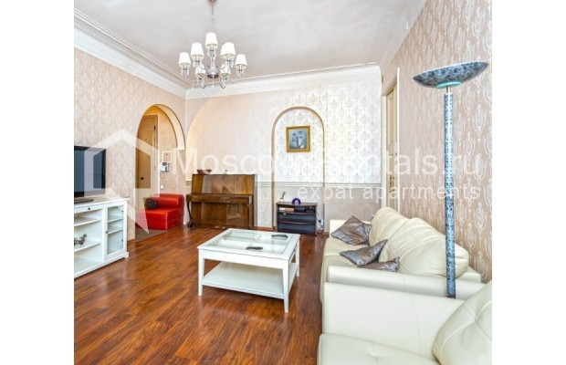 """Photo #2 4-room (3 BR) apartment for <a href=""""http://moscow-rentals.ru/en/articles/long-term-rent"""" target=""""_blank"""">a long-term</a> rent  in Russia, Moscow, M. Kakovinskyi lane, 3"""