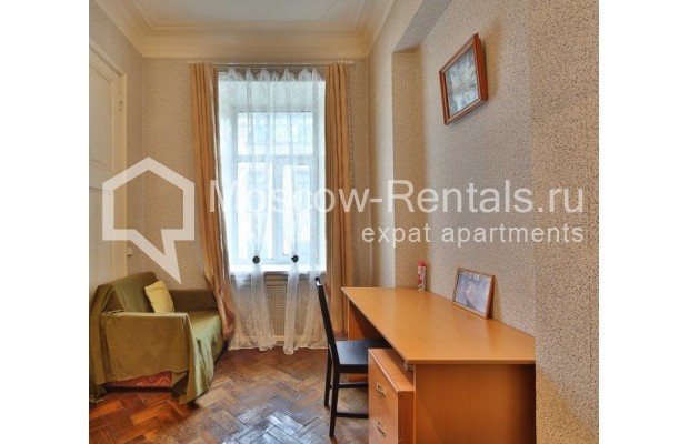 """Photo #9 4-room (3 BR) apartment for <a href=""""http://moscow-rentals.ru/en/articles/long-term-rent"""" target=""""_blank"""">a long-term</a> rent  in Russia, Moscow, M. Kakovinskyi lane, 3"""