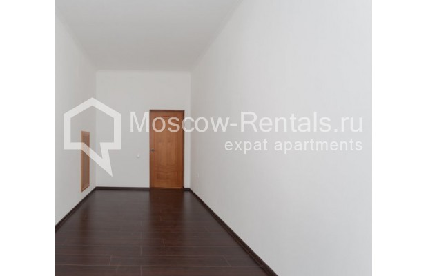 """Photo #7 4-room (3 BR) apartment for <a href=""""http://moscow-rentals.ru/en/articles/long-term-rent"""" target=""""_blank"""">a long-term</a> rent  in Russia, Moscow, Krivoarbatskyi lane, 19"""