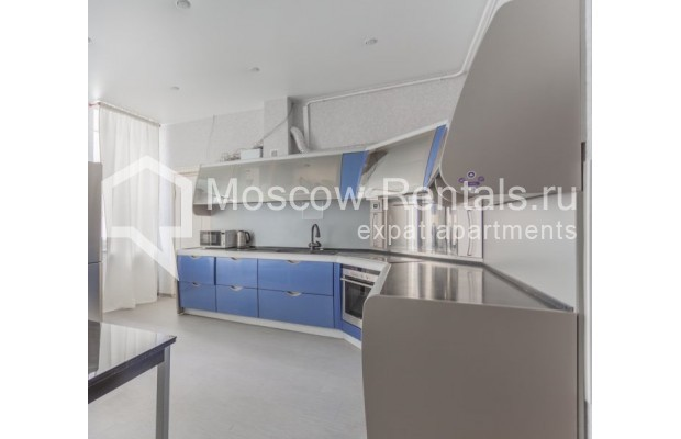 """Photo #4 4-room (3 BR) apartment for <a href=""""http://moscow-rentals.ru/en/articles/long-term-rent"""" target=""""_blank"""">a long-term</a> rent  in Russia, Moscow, Krivoarbatskyi lane, 19"""