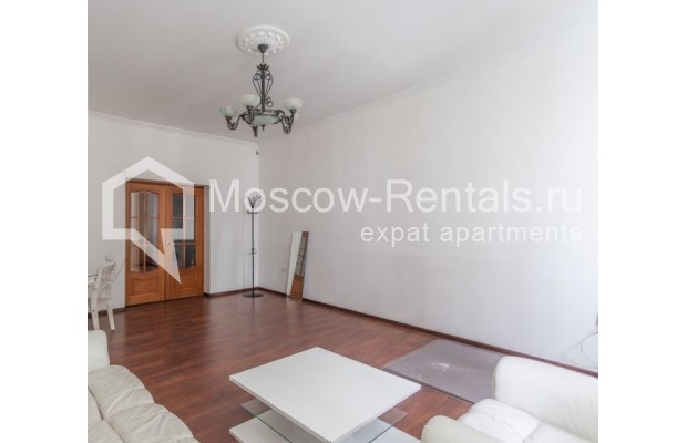"""Photo #2 4-room (3 BR) apartment for <a href=""""http://moscow-rentals.ru/en/articles/long-term-rent"""" target=""""_blank"""">a long-term</a> rent  in Russia, Moscow, Krivoarbatskyi lane, 19"""