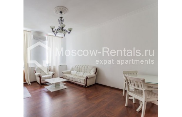 """Photo #1 4-room (3 BR) apartment for <a href=""""http://moscow-rentals.ru/en/articles/long-term-rent"""" target=""""_blank"""">a long-term</a> rent  in Russia, Moscow, Krivoarbatskyi lane, 19"""