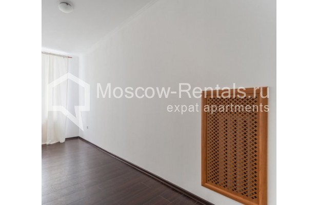 """Photo #6 4-room (3 BR) apartment for <a href=""""http://moscow-rentals.ru/en/articles/long-term-rent"""" target=""""_blank"""">a long-term</a> rent  in Russia, Moscow, Krivoarbatskyi lane, 19"""