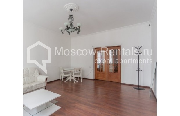 """Photo #3 4-room (3 BR) apartment for <a href=""""http://moscow-rentals.ru/en/articles/long-term-rent"""" target=""""_blank"""">a long-term</a> rent  in Russia, Moscow, Krivoarbatskyi lane, 19"""