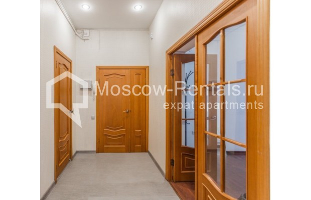 """Photo #10 4-room (3 BR) apartment for <a href=""""http://moscow-rentals.ru/en/articles/long-term-rent"""" target=""""_blank"""">a long-term</a> rent  in Russia, Moscow, Krivoarbatskyi lane, 19"""