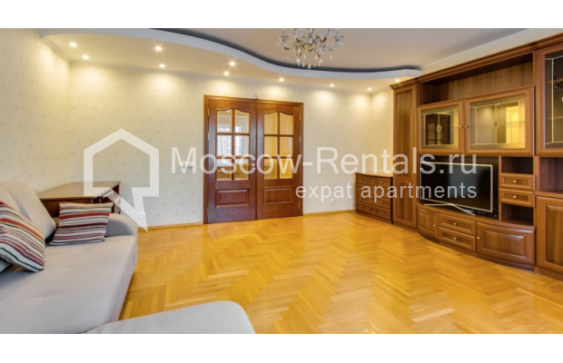 """Photo #1 3-room (2 BR) apartment for <a href=""""http://moscow-rentals.ru/en/articles/long-term-rent"""" target=""""_blank"""">a long-term</a> rent  in Russia, Moscow, Zoologicheskaya str, 26С2"""