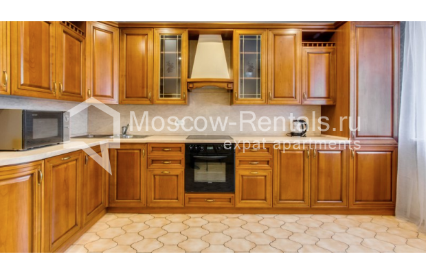 """Photo #3 3-room (2 BR) apartment for <a href=""""http://moscow-rentals.ru/en/articles/long-term-rent"""" target=""""_blank"""">a long-term</a> rent  in Russia, Moscow, Zoologicheskaya str, 26С2"""