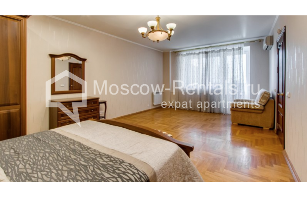 """Photo #4 3-room (2 BR) apartment for <a href=""""http://moscow-rentals.ru/en/articles/long-term-rent"""" target=""""_blank"""">a long-term</a> rent  in Russia, Moscow, Zoologicheskaya str, 26С2"""