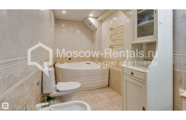 """Photo #7 3-room (2 BR) apartment for <a href=""""http://moscow-rentals.ru/en/articles/long-term-rent"""" target=""""_blank"""">a long-term</a> rent  in Russia, Moscow, Zoologicheskaya str, 26С2"""