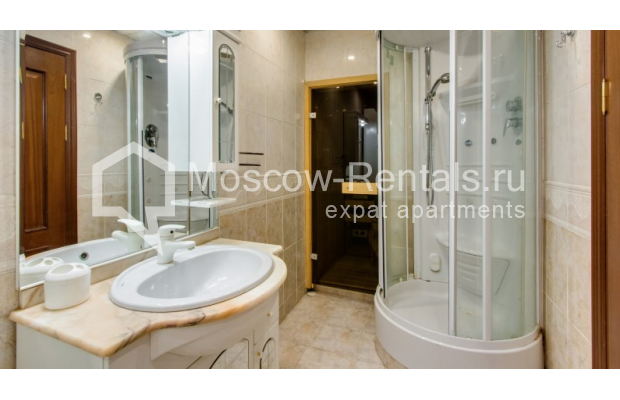 """Photo #8 3-room (2 BR) apartment for <a href=""""http://moscow-rentals.ru/en/articles/long-term-rent"""" target=""""_blank"""">a long-term</a> rent  in Russia, Moscow, Zoologicheskaya str, 26С2"""