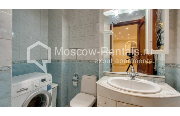 """Photo #10 3-room (2 BR) apartment for <a href=""""http://moscow-rentals.ru/en/articles/long-term-rent"""" target=""""_blank"""">a long-term</a> rent  in Russia, Moscow, Zoologicheskaya str, 26С2"""