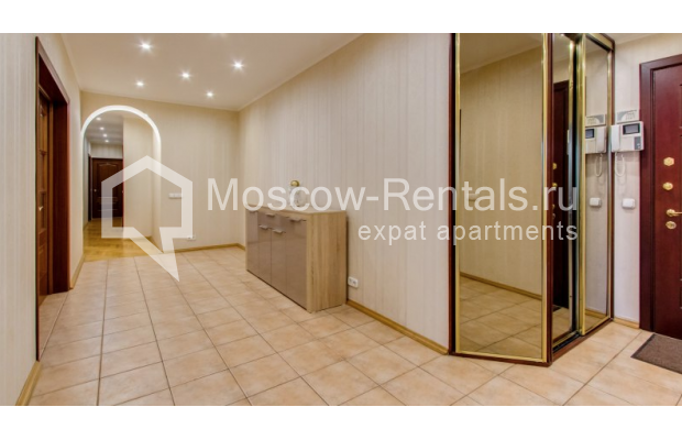 """Photo #11 3-room (2 BR) apartment for <a href=""""http://moscow-rentals.ru/en/articles/long-term-rent"""" target=""""_blank"""">a long-term</a> rent  in Russia, Moscow, Zoologicheskaya str, 26С2"""