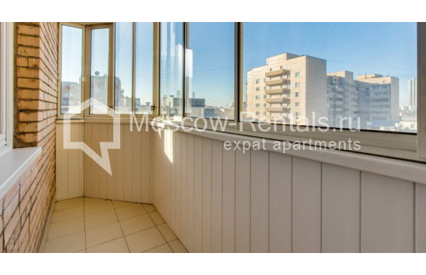 """Photo #13 3-room (2 BR) apartment for <a href=""""http://moscow-rentals.ru/en/articles/long-term-rent"""" target=""""_blank"""">a long-term</a> rent  in Russia, Moscow, Zoologicheskaya str, 26С2"""