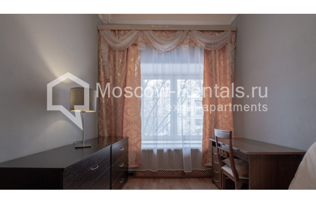 """Photo #13 3-room (2 BR) apartment for <a href=""""http://moscow-rentals.ru/en/articles/long-term-rent"""" target=""""_blank"""">a long-term</a> rent  in Russia, Moscow, B. Gruzinskaya str, 36С3"""