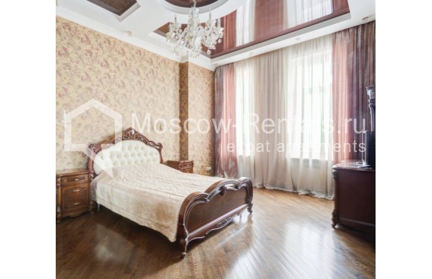 """Photo #4 4-room (3 BR) apartment for <a href=""""http://moscow-rentals.ru/en/articles/long-term-rent"""" target=""""_blank"""">a long-term</a> rent  in Russia, Moscow, Sadovaya-Chernogryazskaya str, 3БС1"""