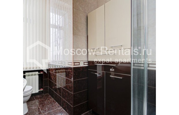 """Photo #9 4-room (3 BR) apartment for <a href=""""http://moscow-rentals.ru/en/articles/long-term-rent"""" target=""""_blank"""">a long-term</a> rent  in Russia, Moscow, Sadovaya-Chernogryazskaya str, 3БС1"""