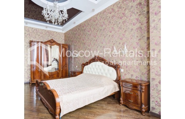 """Photo #5 4-room (3 BR) apartment for <a href=""""http://moscow-rentals.ru/en/articles/long-term-rent"""" target=""""_blank"""">a long-term</a> rent  in Russia, Moscow, Sadovaya-Chernogryazskaya str, 3БС1"""