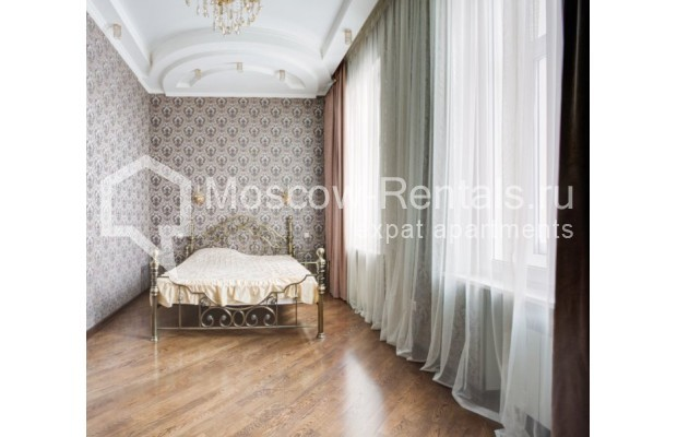 """Photo #8 4-room (3 BR) apartment for <a href=""""http://moscow-rentals.ru/en/articles/long-term-rent"""" target=""""_blank"""">a long-term</a> rent  in Russia, Moscow, Sadovaya-Chernogryazskaya str, 3БС1"""